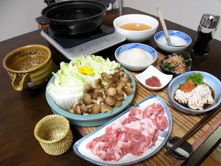 「豚と白菜としめじの蕪みぞれ鍋」