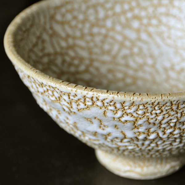 【抹茶茶碗】 カイラギ 薄白  ひびわれの美しさ