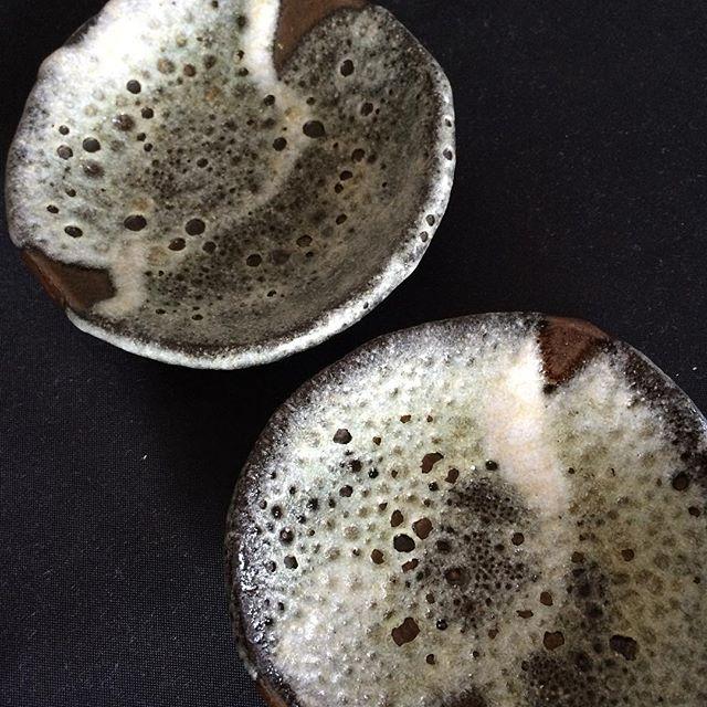 釉薬の流れに勢いがあります。#陶芸作品 #萩原啓蔵 - from Instagram